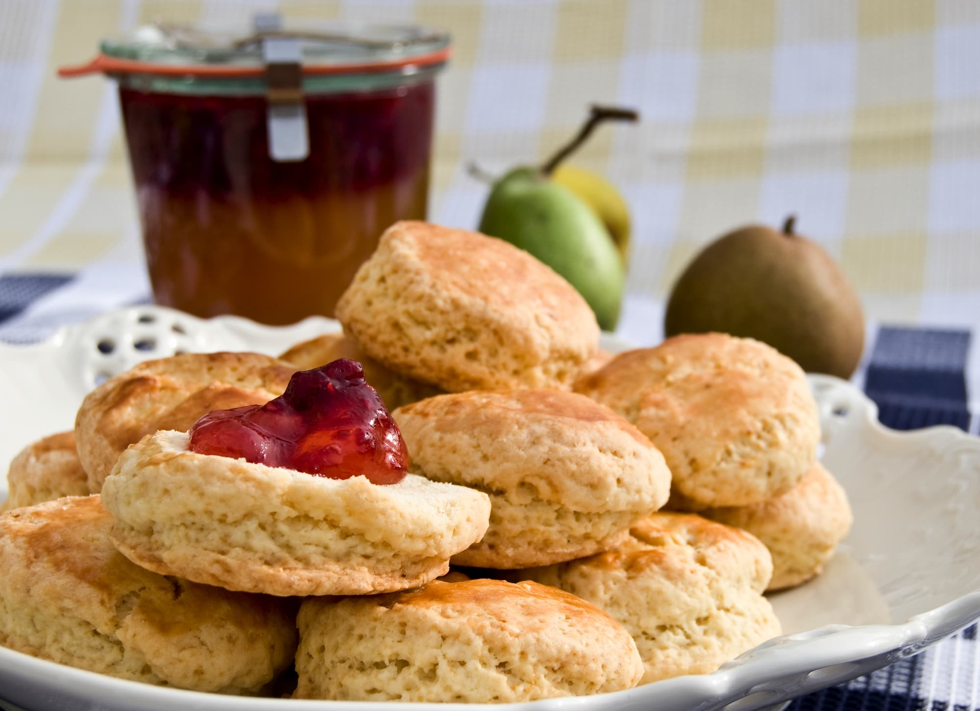 Scones With Pear Jelly