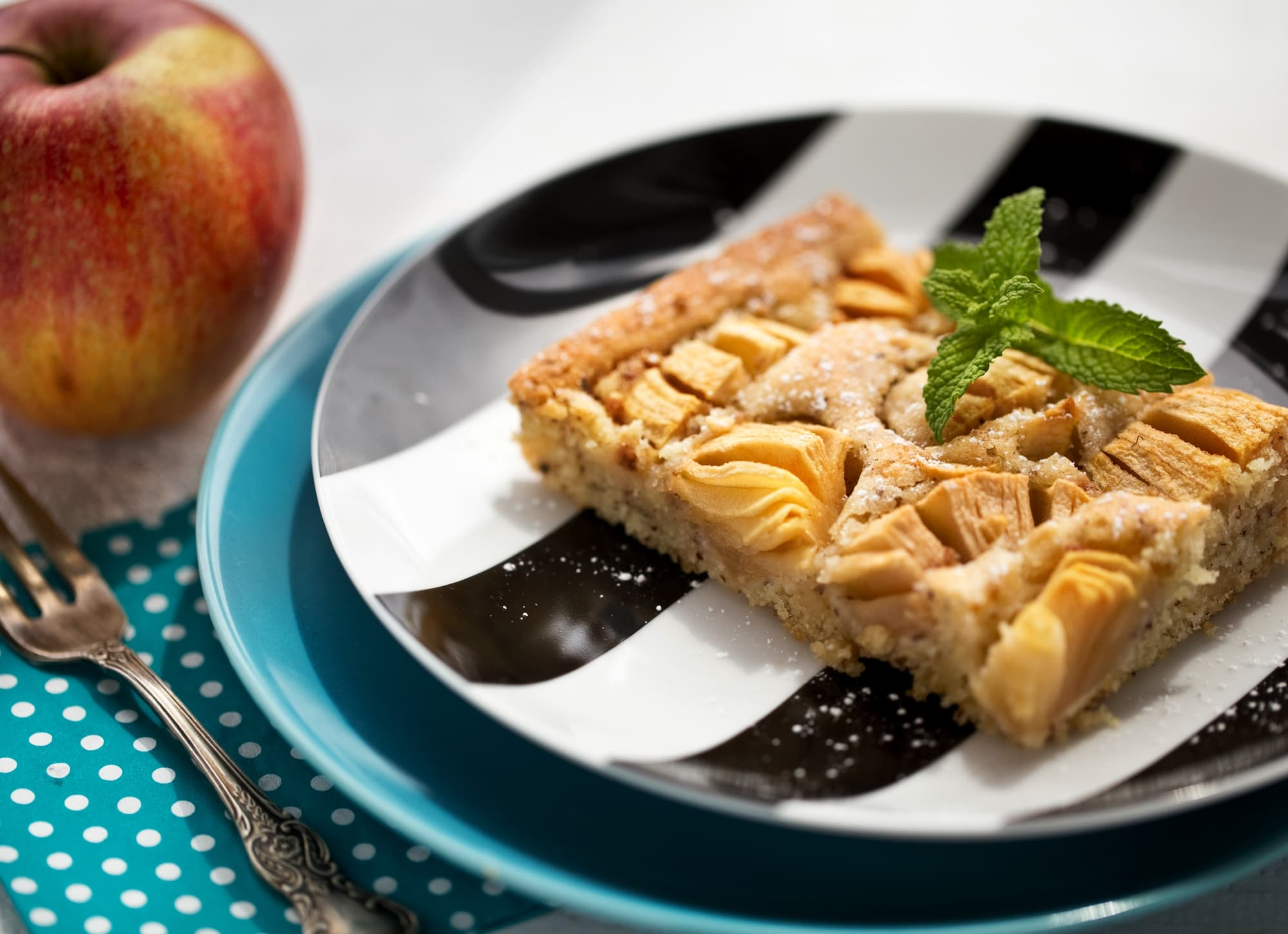 Nutty Apple Tray Cake