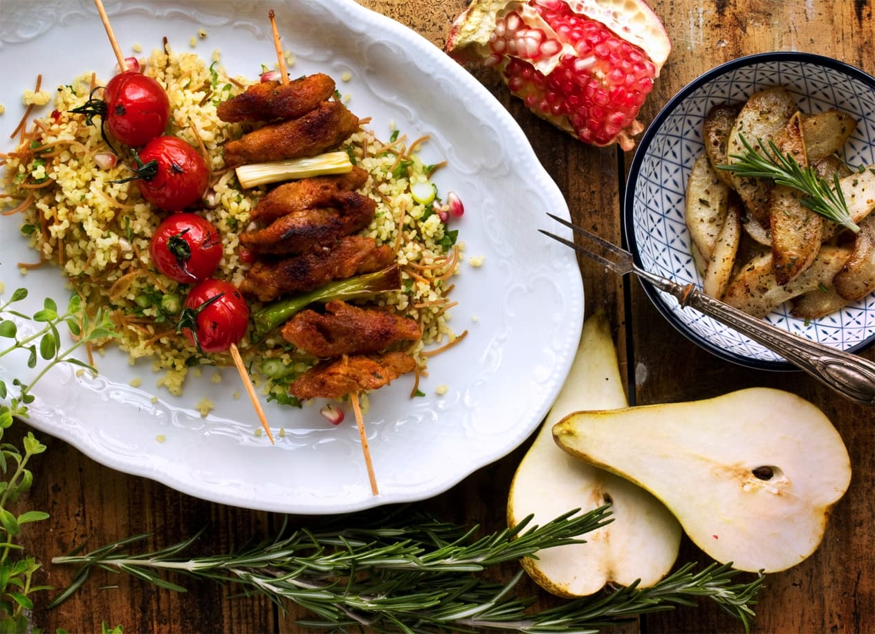 ORIENT BULGUR WITH SPITS & ROSEMARY-PEARS