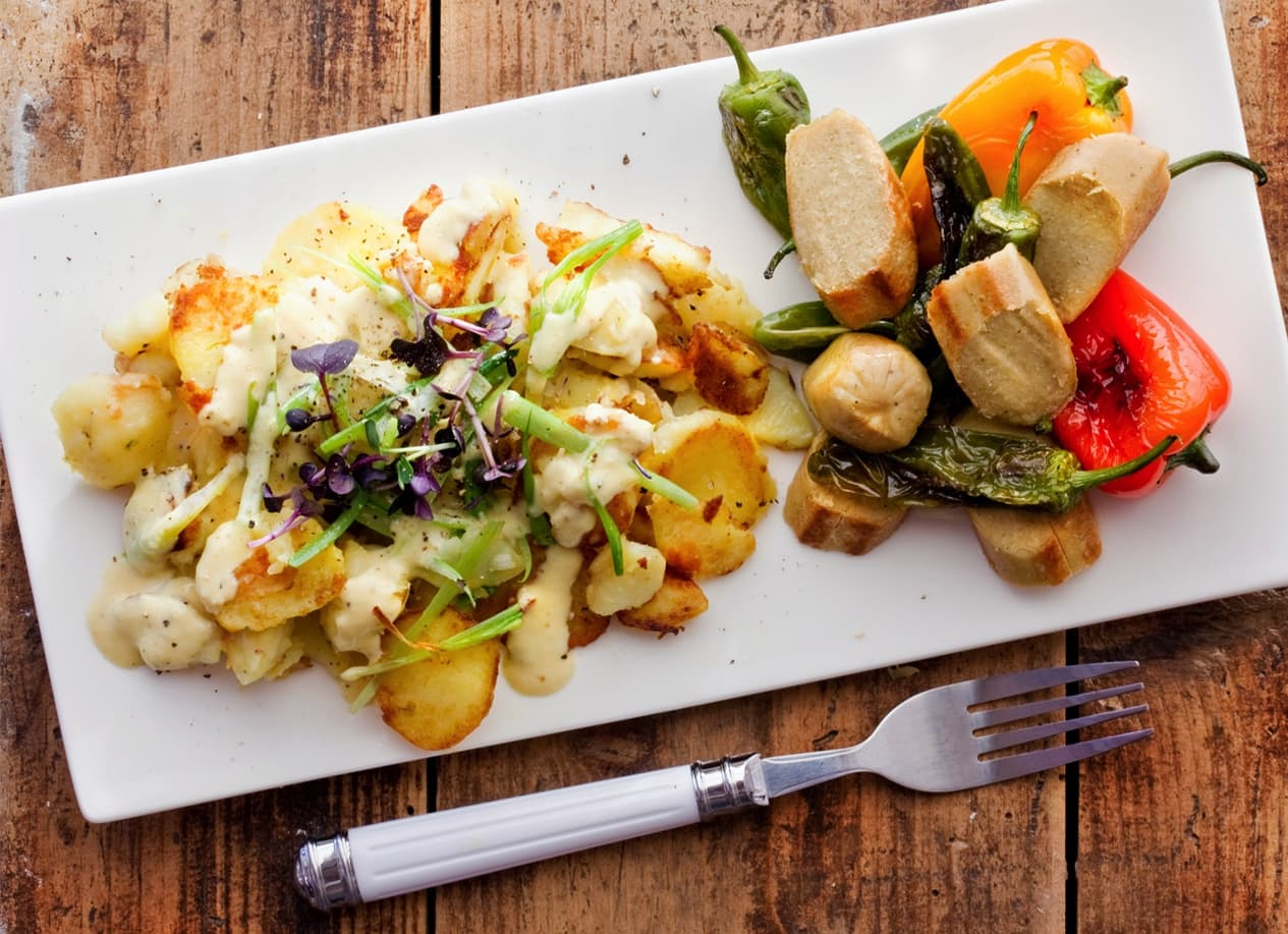 FRIED POTATO SALAD WITH A FRUITY MUSTARD-CREAM