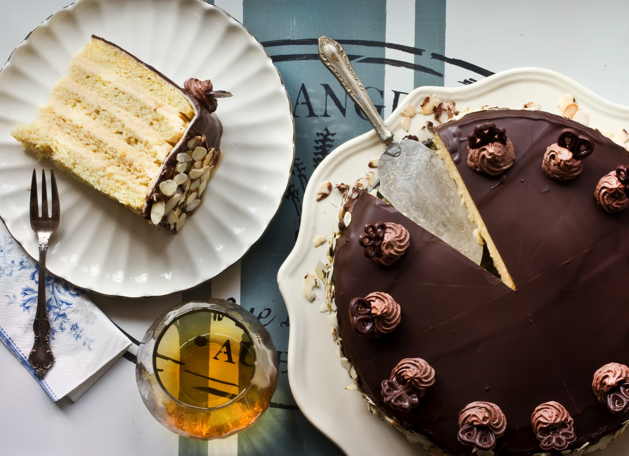 HERRENTORTE WITH MARZIPAN-WINE-SPREAD